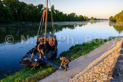 FRANCE, VALLEE DE LA LOIRE, BATELLERIE // FRANCE, LOIRE VALLEY, TRADITIONAL BOAT