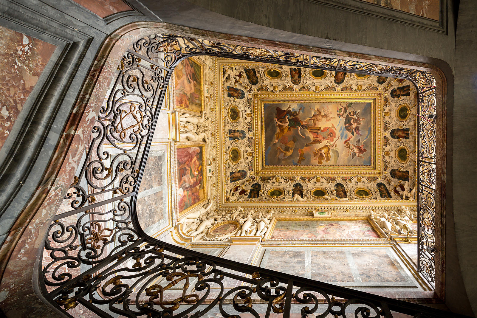 """Résultat de recherche d'images pour """"L'escalier du Roi à Fontainebleau"""""""