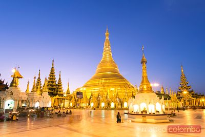 Dawn at Shwedagon golden paya, Yangon, Myanmar