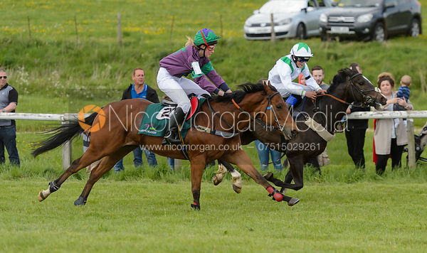 Benoit de la Sayette and GULLIVER beat Georgie Clayton and GOOD LUCK ROSIE - Pony Race 1