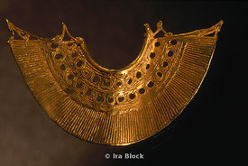 Gold Earring from Colombia's Sinu Culture