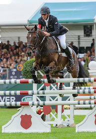 Andrew Nicholson and CALICO JOE - show jumping phase, Burghley Horse Trials 2013.