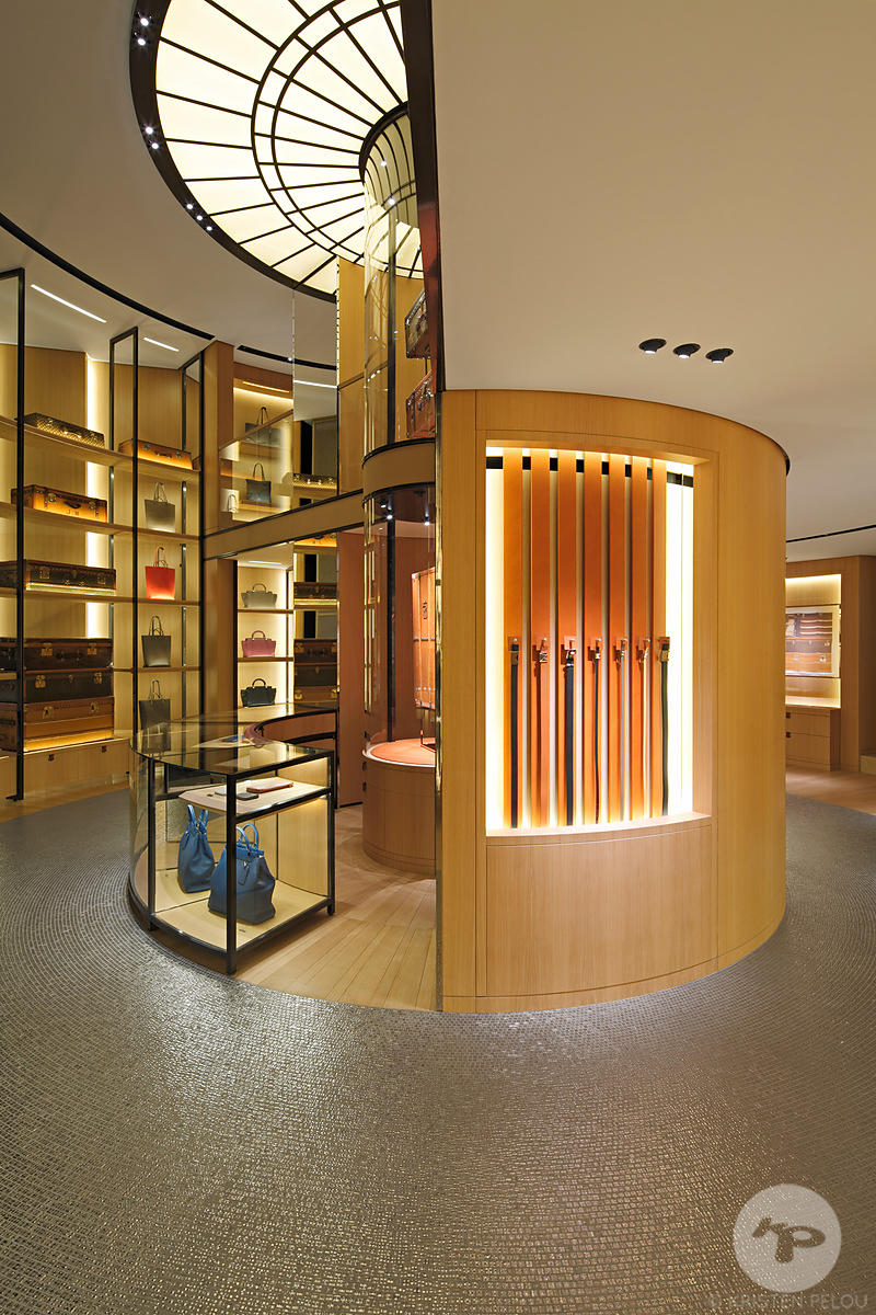 Retail architecture photographer Paris - MOYNAT STORE SAINT HONORE PARIS