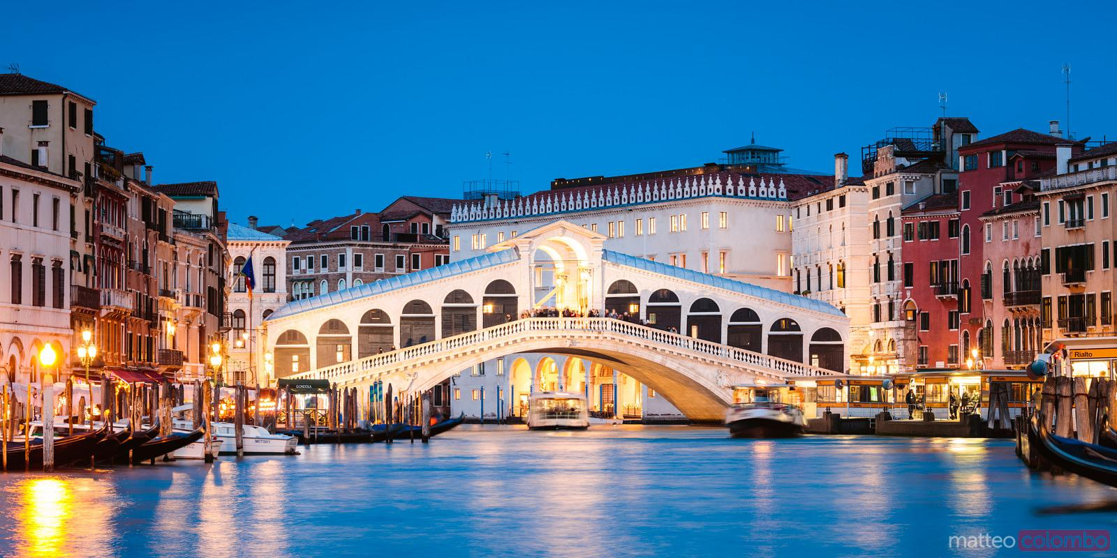 Rialto bridge panoramic at dusk, Venice