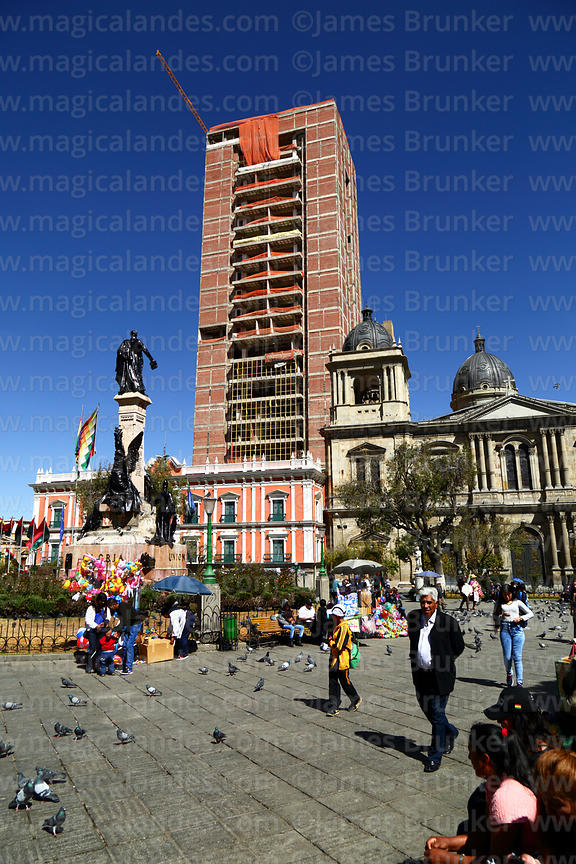 Cathedral and Presidential Palace (L), new Government Palace / Casa Grande del Pueblo under construction behind, Plaza Murill...