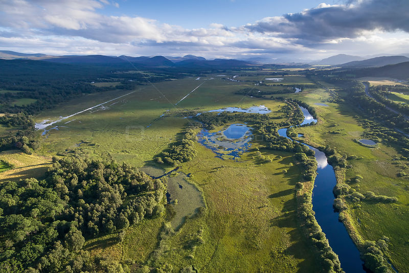 River Spey running through Insh Marshes with oxbow lakes, Cairngorms National Park, Scotland, UK, August 2016.