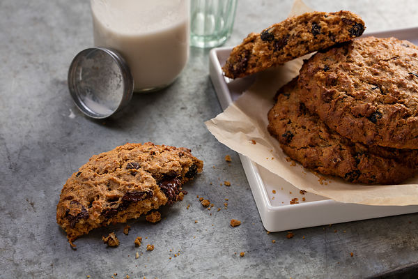 Freshly baked vegan cookies for hosptial lifestyle brand shoot by Jason Tinacci