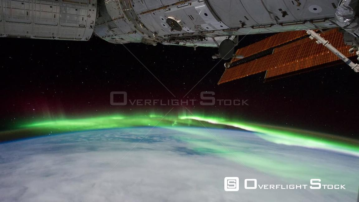 Time-Lapse from ISS over  Pacific Ocean Aurora Australis Exp29 11 Sep 2011