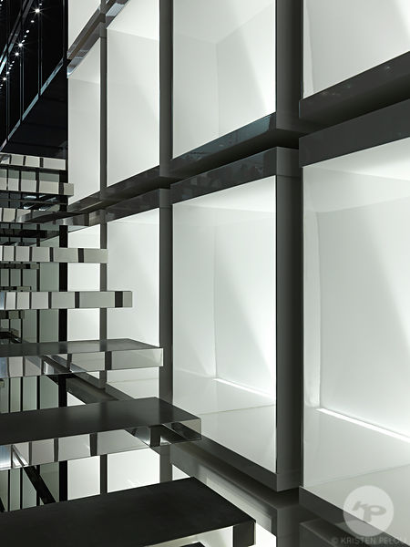 Retail architecture photographer - Dior Homme boutique, Taipei 101, Taiwan. Photo ©Kristen Pelou