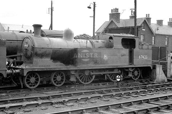 PHOTOS OF EX-LNER C13 CLASS 4-4-2T STEAM LOCOS