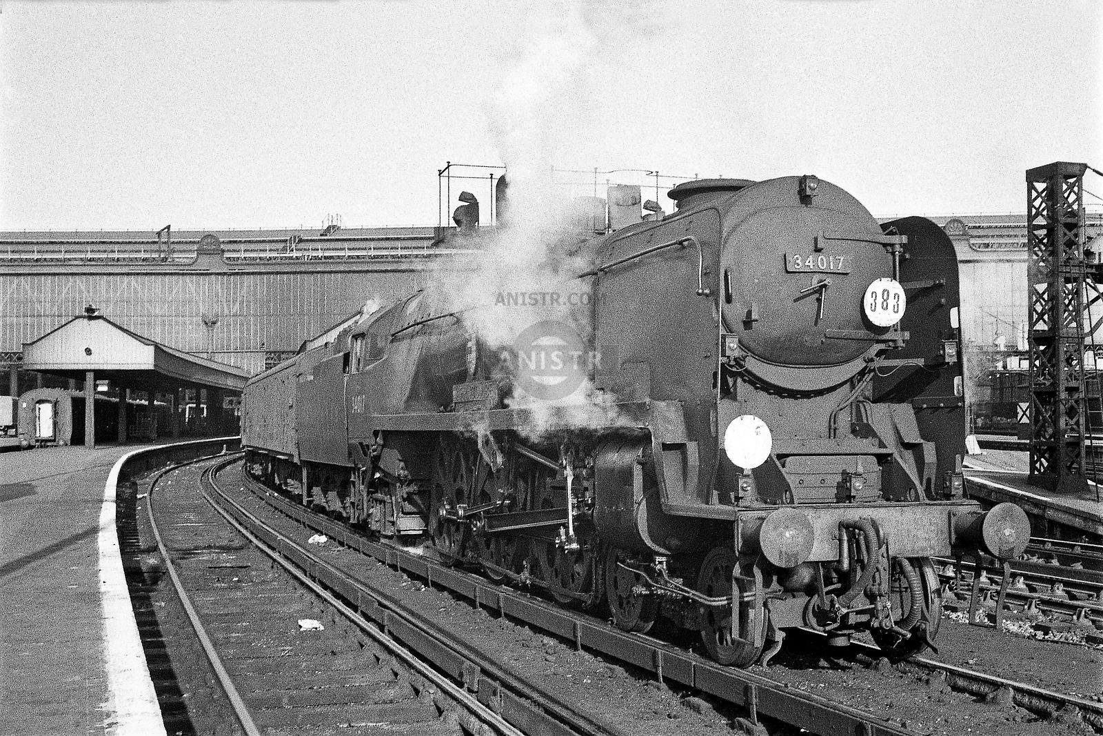 Steam loco WC 34017 Waterloo