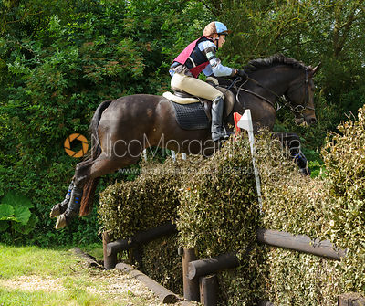 Sarah Howlett - Intermediate - Quorn Hunt Pony Club Tetrathlon 2016