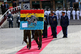 Bolivian army members present a floral tribute at start of official events for Dia del Mar / Day of the Sea, La Paz, Bolivia