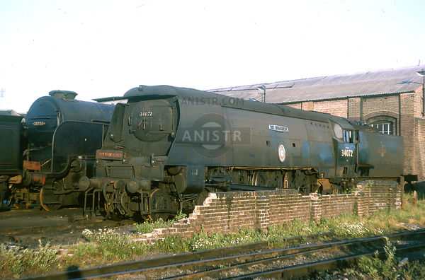 Steam loco BB 34072 257 SQUADRON Fratton mpd