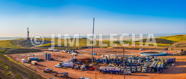 Bakken Frac Job and Drilling Rig