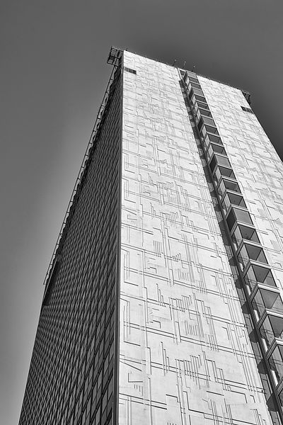 Manchester skyscraper against a clear sky (Black and White)