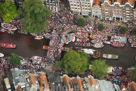 Amsterdam - Luchtfoto Canal Parade 01
