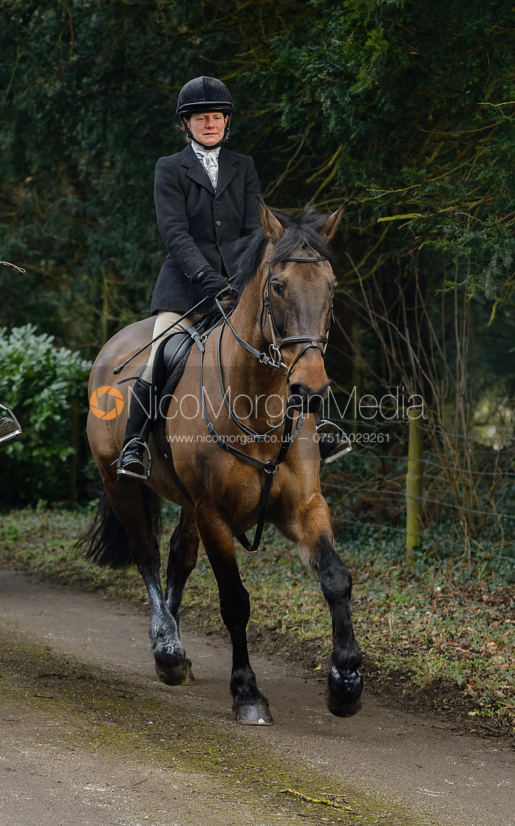Alice Robb leaving the Cottesmore Hunt meet at Little Dalby Hall