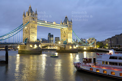 Tower Bridge, Schiff, Themse, London