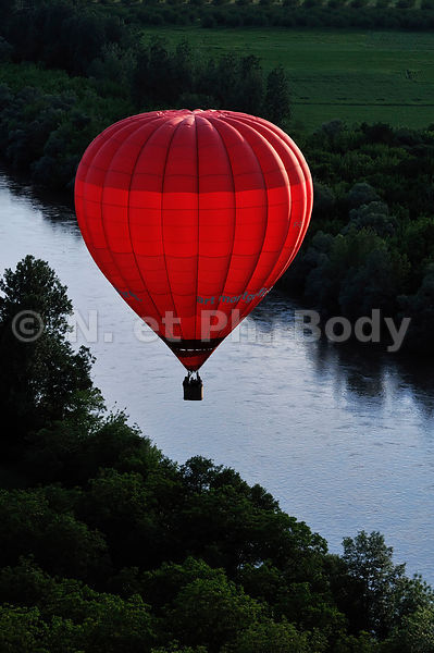 MONTGOLFIERE, DORDOGNE, FRANCE//HOT AIR BALLOON, DORDOGNE, FRANCE