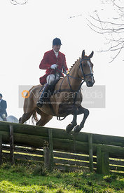 Ashley Bealby jumping a hunt jump in Flitteris Park