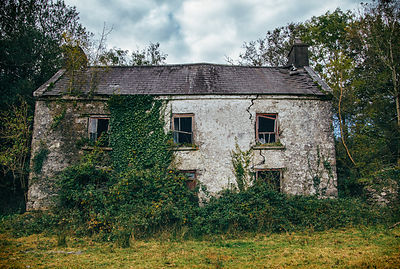 Abandoned_house_Kerry_Kenmare_road