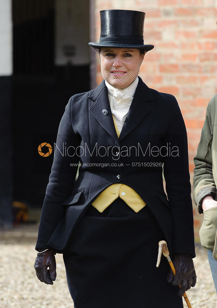 Clare Simper - Dianas of the Chase - Side Saddle Race 2014.