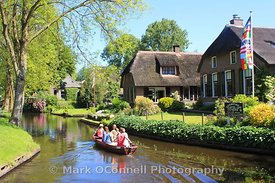 Boat-hire-Giethoorn