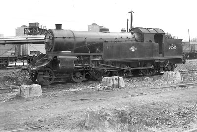 PHOTOS OF H16 CLASS 4-6-2T STEAM LOCOS