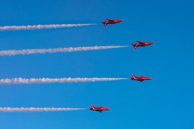 Red Arrows mirror roll