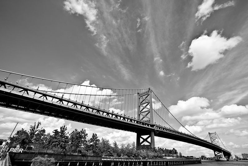BENJAMIN FRANKLIN BRIDGE PHILADELPHIA BLACK AND WHITE