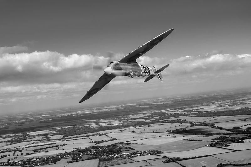 Spitfire TR 9 on a roll BW version
