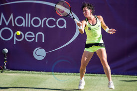 Catherine Bellis (USA) wining against Carla Suárez Navarro (ESP) the first round at the Mallorca Open 2017 in Santa Ponsa - M...