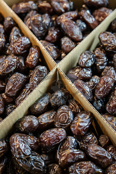 dates by lowe
