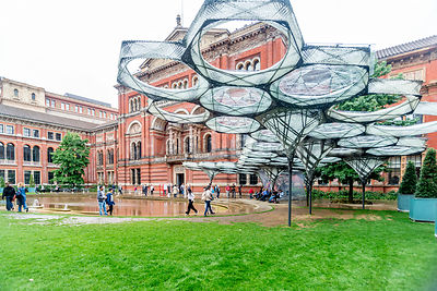 Victoria and Albert Museum- Outdoor Sculpture (Horizontal)