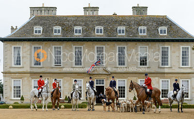 Masters, hounds and Hunt Staff in front of Stapleford Park