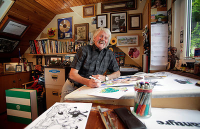 Waterside, Ayrshire..17.9.13.Scottish artist Malky McCormick pictured at home in Waterside, Ayrshire...Picture Copyright:.Iai...