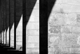 square_pillars_in_shadow3