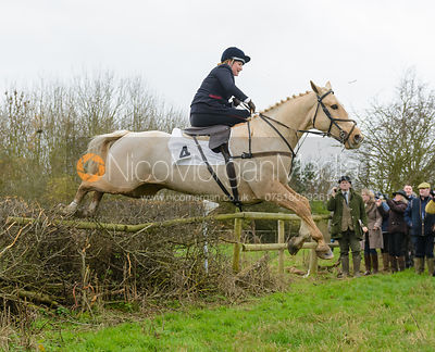 Polly Mallender and SIR PANCAKE, second in the Dianas of the Chase Cup
