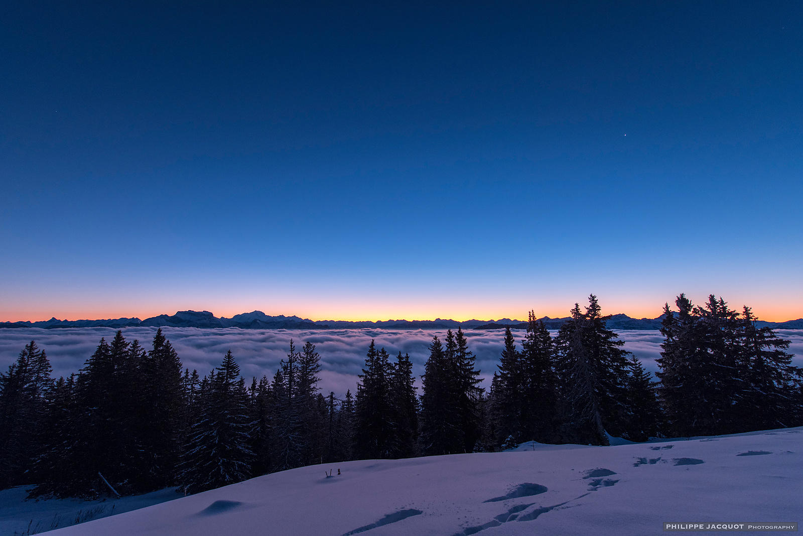 Clear dawn - Annecy Semnoz