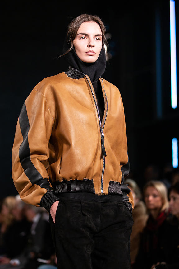 London Fashion Week Autumn Winter 2016 - Amanda Wakeley