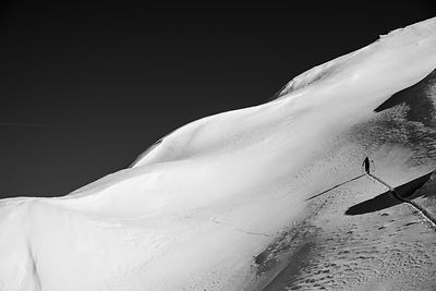 Photo skieur alpin -  photo montagne noir et blanc - Queyras