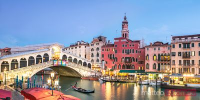 Italy, Venice. Panoramic of Rialto bridge at dusk