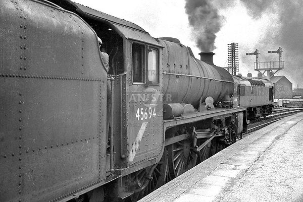 Steam loco Jubilee 45694 Blackpool