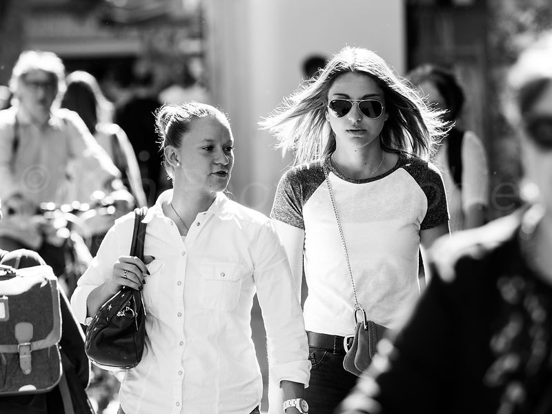 Street Photo - Cheveux au vent