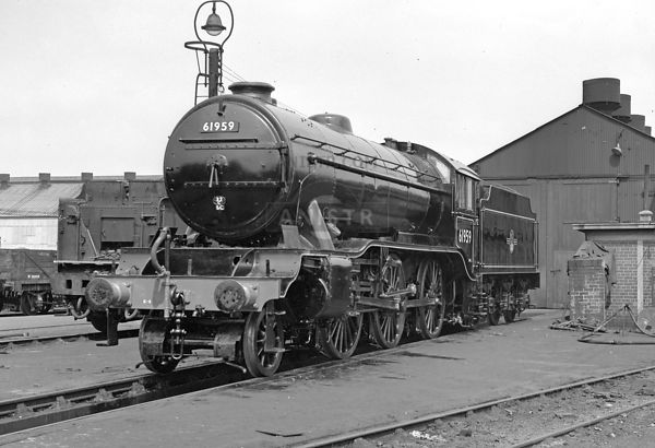 PHOTOS OF EX-LNER K3 CLASS 2-6-0 STEAM LOCOS