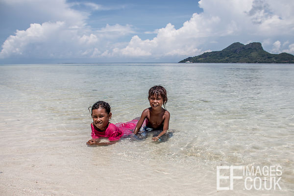 Bajau Laut Children On Mantabuan Beach