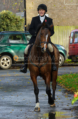 Charlie Smith - The Cottesmore Hunt at Braunston, 12-11-13.
