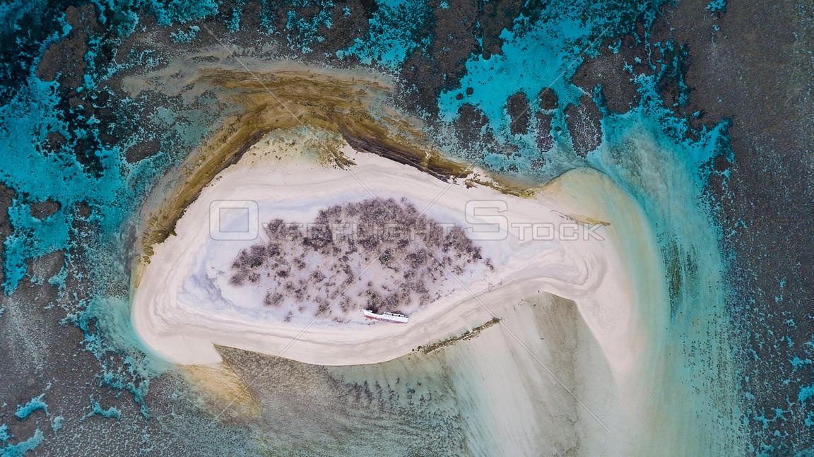 Aerial view of wreck of a of longlining fishing boat on Ceva-I-Ra Reef also known as Conway Reef a small coral reef atoll in ...