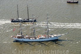 Harlingen - Luchtfoto Tall Ships Races 4